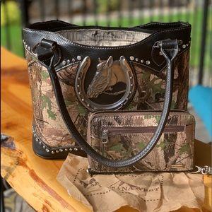 Camo Montana West purse w/matching wallet